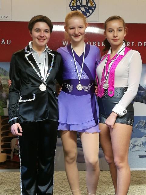 Foto: von links nach rechts: Anna Gstädtner, Carina Roßmeier und Jessica Hahmann